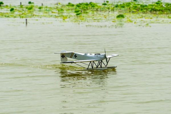 Hansa Brandenburg, Balsa-Kit Wasserflugzeug, 1400mm