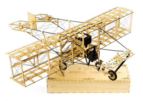 Curtiss Pusher, Balsa-Kit in schöner Holzbox