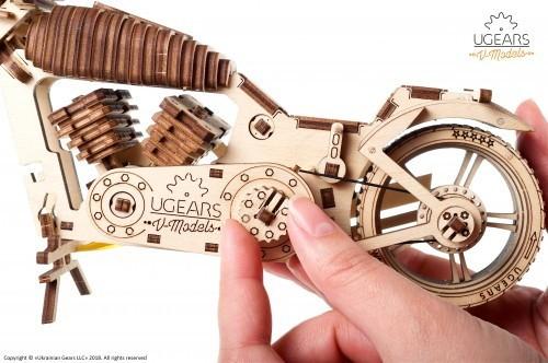 Holzmotorrad mechanisch zum Stecken
